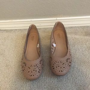Mossimo laser cut flats. Size 8.5